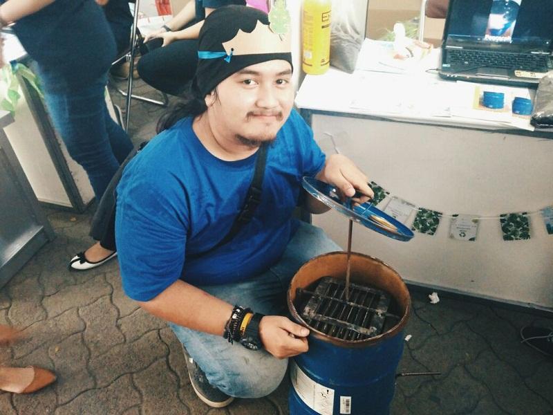 https: img.okeinfo.net content 2017 11 24 65 1820071 eco-compost-bin-tong-sampah-karya-mahasiswa-yang-bisa-hasilkan-pupuk-kompos-DhsEktHYex.jpg