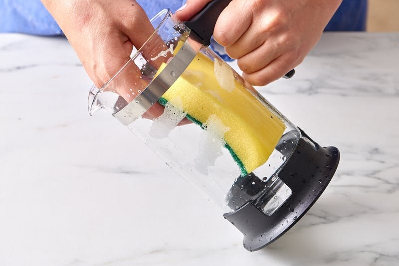 https: img.okeinfo.net content 2017 12 04 298 1825163 6-peralatan-dapur-yang-bisa-dibersihkan-dengan-baking-soda-Ax1ImBaHJu.jpg