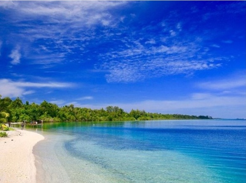 Terhipnotis Pesona Jelmaan Maldives, Pulau Widi di