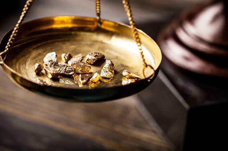 https: img.okeinfo.net content 2017 12 07 320 1826466 gejolak-timur-tengah-tahan-kenaikan-harga-emas-on7SrgBVsr.jpg