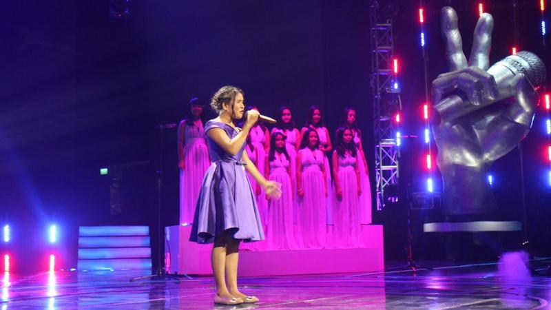 https: img.okeinfo.net content 2017 12 07 598 1827017 tim-bebi-suguhkan-performa-fantastis-di-the-voice-kids-indonesia-season-2-my8U7Du6oo.jpg