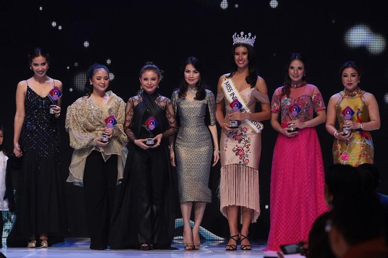 https: img.okeinfo.net content 2017 12 08 194 1827625 achintya-nilsen-terima-penghargaan-lifestyle-award-kategori-sosial-di-i-fashion-festival-2017-0KDyQ7ZAMH.JPG