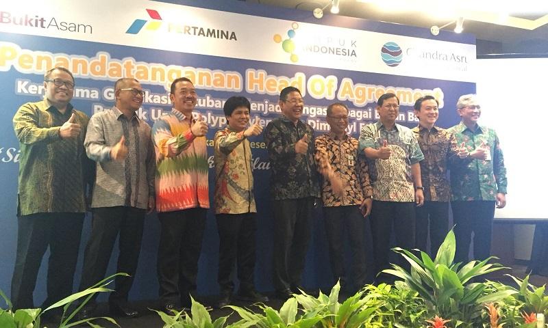 https: img.okeinfo.net content 2017 12 08 320 1827455 fokus-kembangkan-pupuk-npk-pupuk-indonesia-tambah-produksi-3-juta-ton-w8X3WwmVaY.jpg