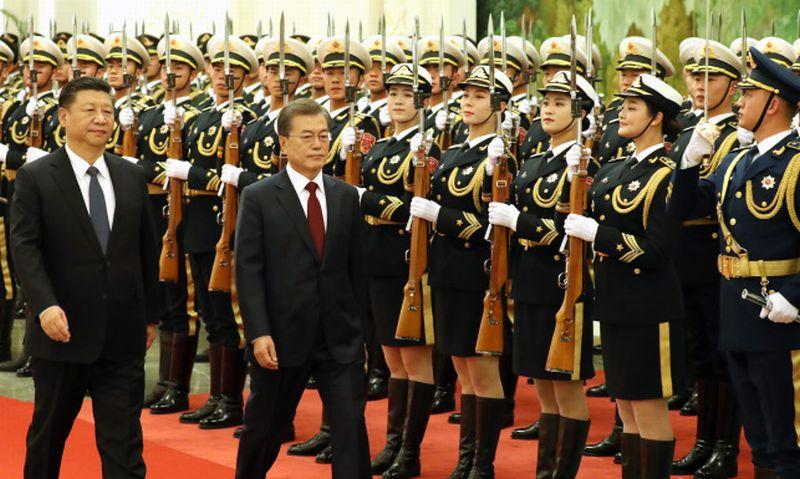 https: img.okeinfo.net content 2017 12 15 18 1830689 presiden-korsel-china-bersumpah-tak-akan-ada-perang-di-semenanjung-korea-jxp5WTUPXH.jpg