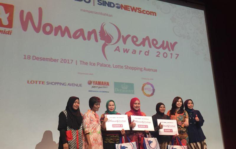 https: img.okeinfo.net content 2017 12 18 320 1832430 3-pengusaha-wanita-ini-juarai-alfamidi-womanpreneur-award-2017-GswortV1Ly.jpg