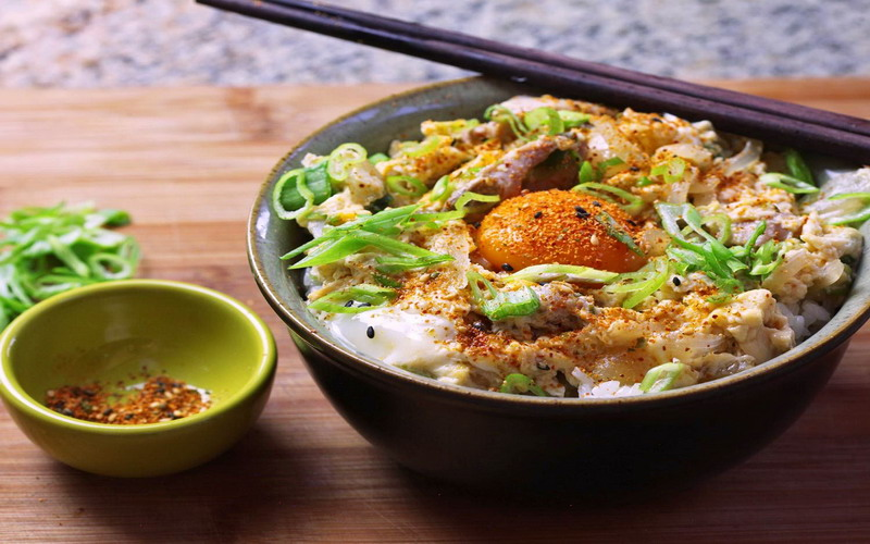 https: img.okeinfo.net content 2017 12 19 298 1832900 tumbuhkan-nafsu-makan-si-kecil-dengan-sajian-rice-bowl-dijamin-suka-RGGg8JHdAg.jpg