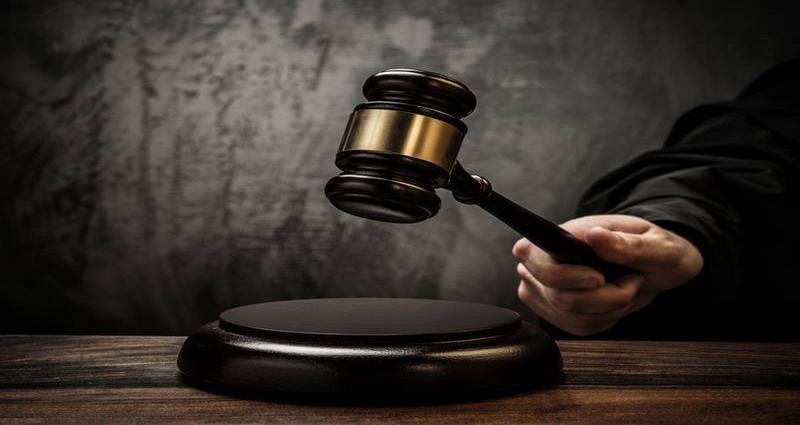 https: img.okeinfo.net content 2017 12 19 519 1832487 kasus-pembalakan-liar-4-terdakwa-termasuk-oknum-polisi-dituntut-2-tahun-penjara-Mf61Ppwarn.jpg