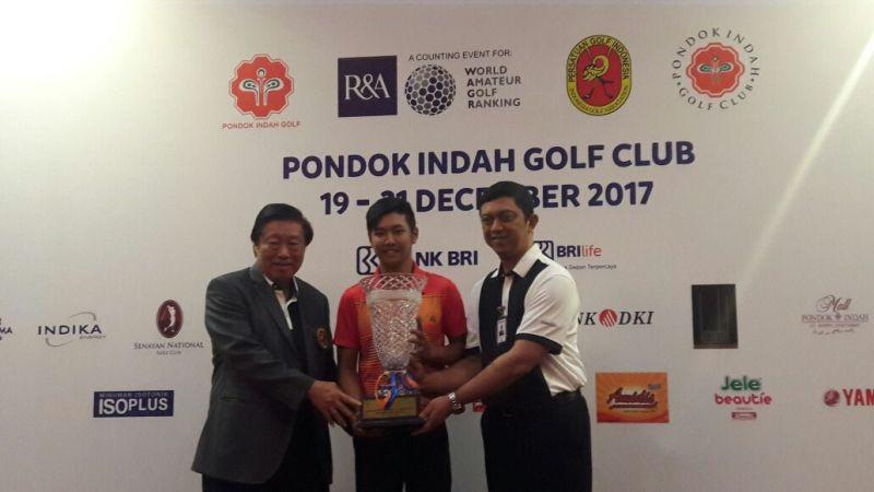 https: img.okeinfo.net content 2017 12 21 43 1834230 jonathan-wijono-sabet-penghargaan-di-international-junior-golf-championship-UplQ8fIx6V.jpeg