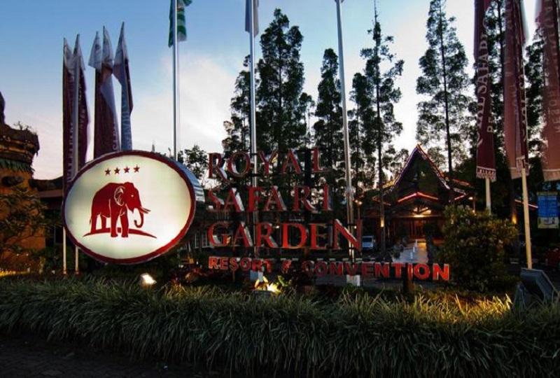 https: img.okeinfo.net content 2017 12 22 406 1834821 royal-safari-garden-resort-convention-raih-2-penghargaan-indonesia-travel-tourism-awards-2017-2018-iD4yKRosjg.jpeg