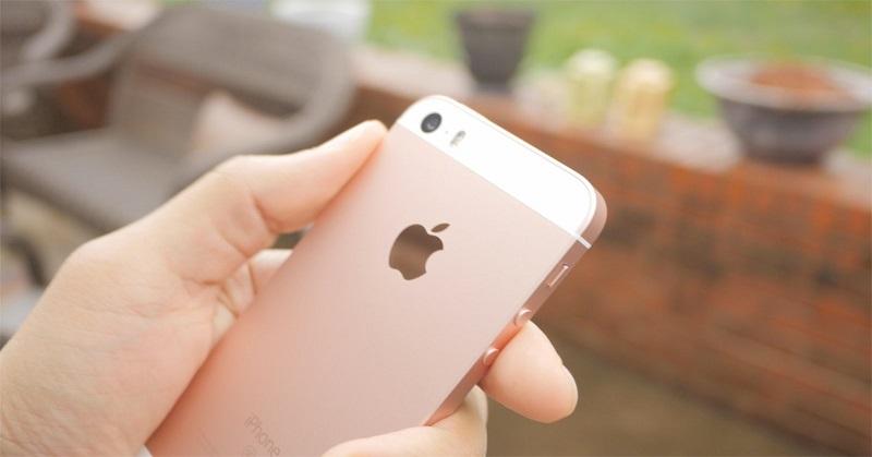 https: img.okeinfo.net content 2017 12 23 207 1835009 gara-gara-iphone-lemot-apple-digugat-banyak-pengguna-WmrXLvUSTl.jpg