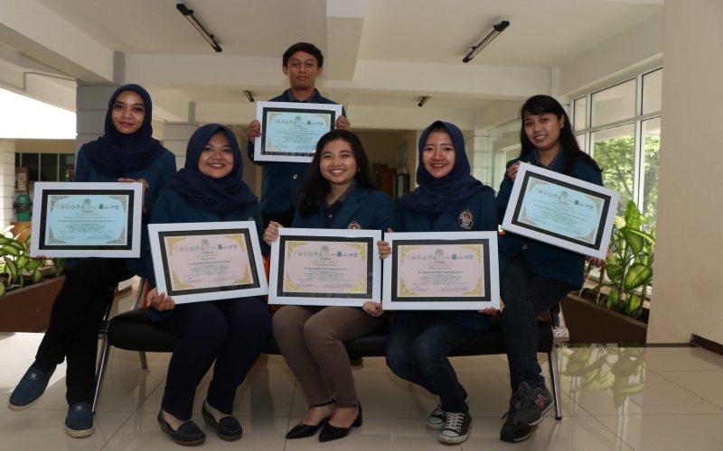 https: img.okeinfo.net content 2017 12 23 65 1835039 tiga-mahasiswa-indonesia-raih-penghargaan-di-konferensi-nutrisi-hewan-internasional-PF57cD5nWF.jpg