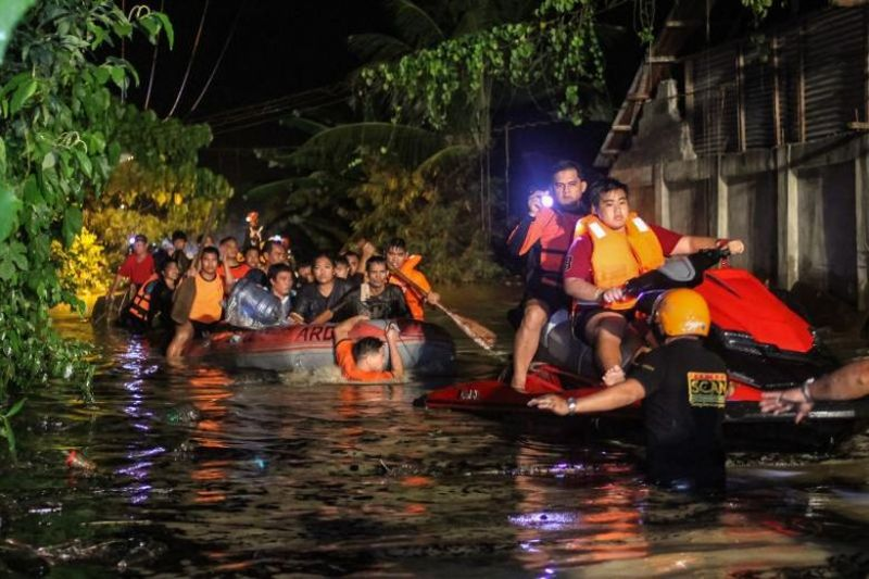 https: img.okeinfo.net content 2017 12 24 18 1835184 jumlah-korban-tewas-akibat-badai-tropis-di-filipina-capai-182-orang-IzLtPIsrpF.jpg
