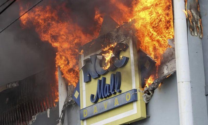 https: img.okeinfo.net content 2017 12 24 18 1835404 tak-ada-korban-wni-dalam-kebakaran-mal-di-filipina-dUfLgdaXQt.jpg