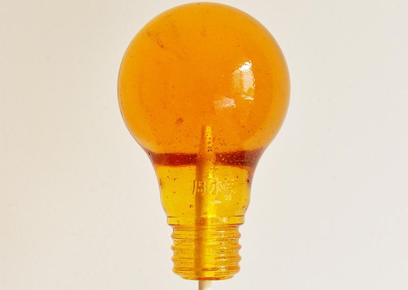 https: img.okeinfo.net content 2018 01 03 298 1839584 permen-populer-lightbulb-asal-china-ini-dianggap-berbahaya-ini-alasannya-poDoIbwuAW.jpg