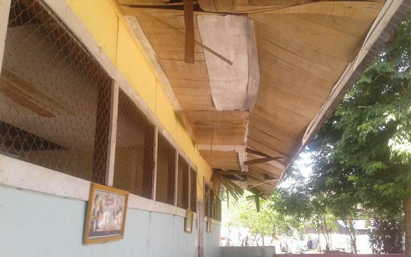 https: img.okeinfo.net content 2018 01 05 65 1840619 miris-puluhan-tahun-sekolah-ini-dibiarkan-rusak-parah-rryuxKFKYm.jpg