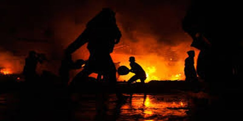 https: img.okeinfo.net content 2018 01 07 338 1841262 permukiman-padat-di-kemayoran-terbakar-damkar-penyebabnya-karena-korsleting-65ruMTJ3ow.jpg