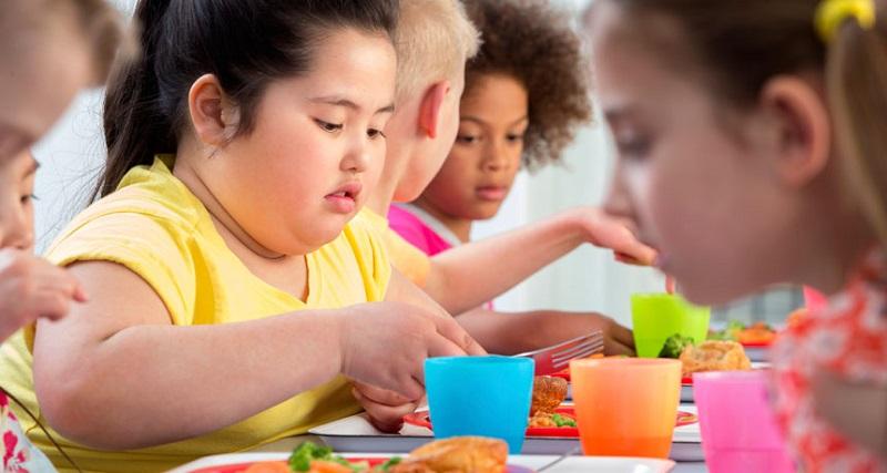 https: img.okeinfo.net content 2018 01 08 481 1841624 anak-obesitas-ini-3-hal-yang-harus-dilakukan-orangtua-cmVht06ze6.jpg