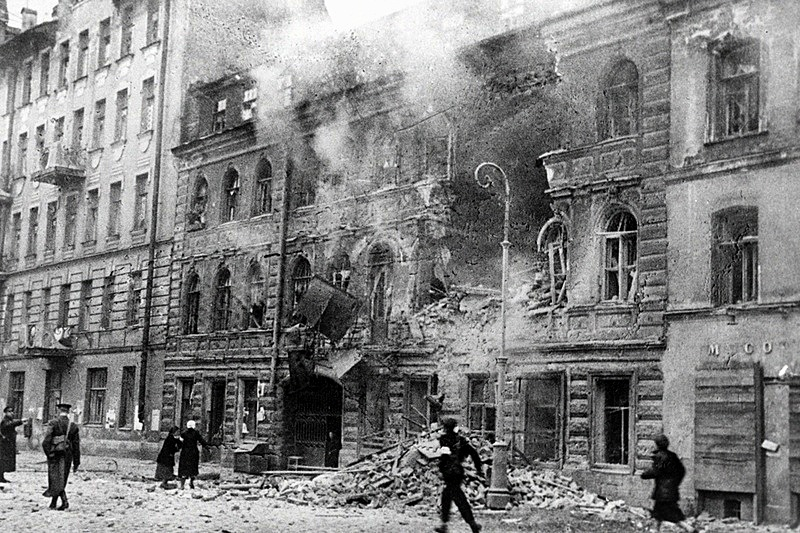 https: img.okeinfo.net content 2018 01 11 18 1843686 lebih-dari-setahun-dikepung-tentara-uni-soviet-terobos-kepungan-pasukan-nazi-di-leningrad-n22dMSAeI1.jpg