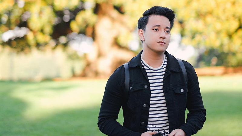 https: img.okeinfo.net content 2018 01 11 206 1843618 punya-filosofi-menarik-alasan-billy-davidson-tertarik-main-di-meet-me-after-sunset-GelMaU62av.jpg