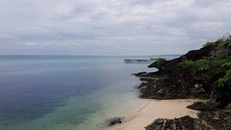 https: img.okeinfo.net content 2018 01 11 406 1843477 pulau-liangliang-pantai-curam-berbatu-yang-memikat-di-sulawesi-selatan-YjNdtNtjN9.jpg