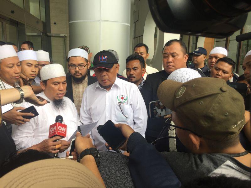 https: img.okeinfo.net content 2018 01 12 338 1844169 hanya-diterima-pengelola-gedung-massa-aksi-121-kecewa-dengan-facebook-indonesia-qKbItcnSdP.jpg