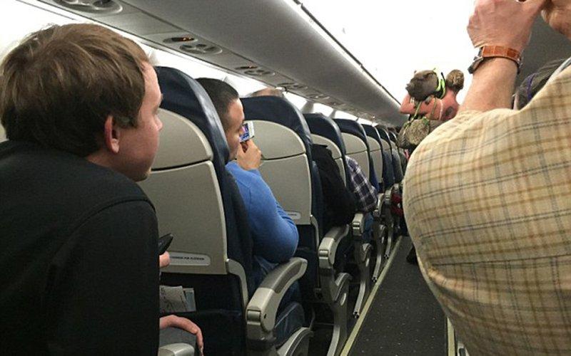 https: img.okeinfo.net content 2018 01 12 406 1844128 5-hewan-peliharaan-teraneh-yang-dibawa-penumpang-pesawat-terbang-N8YliJdGPd.jpg