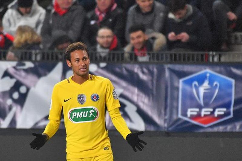 https: img.okeinfo.net content 2018 01 12 51 1844173 ronaldo-kepindahan-neymar-ke-psg-sebuah-kemunduran-xLjjBiWpyb.jpg