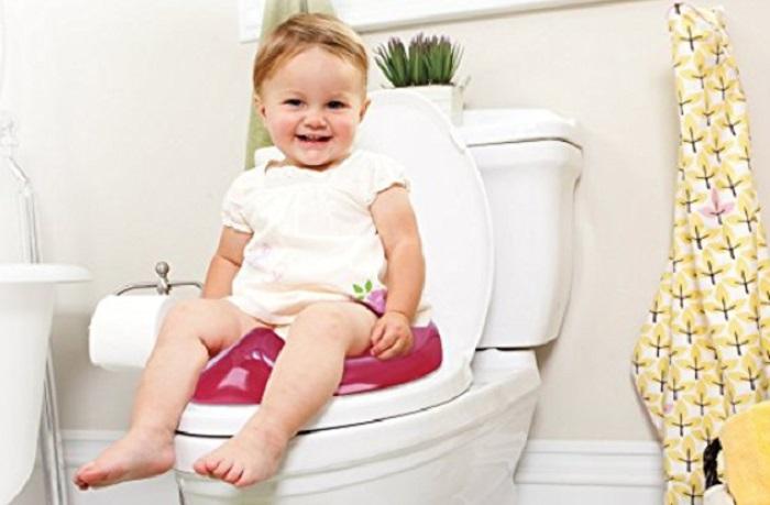 https: img.okeinfo.net content 2018 01 14 196 1844772 jadi-pelajaran-balita-3-tahun-terjepit-di-kursi-toilet-khusus-anak-NMm5xTKCJV.jpg