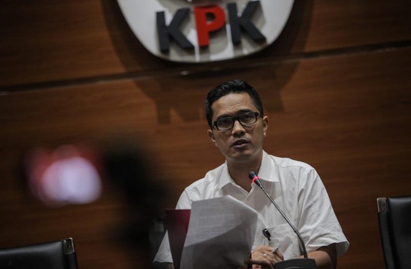 https: img.okeinfo.net content 2018 01 15 337 1845033 kasus-suap-garuda-indonesia-kpk-periksa-penyuap-emirsyah-satar-YZOPCWo7ss.jpg
