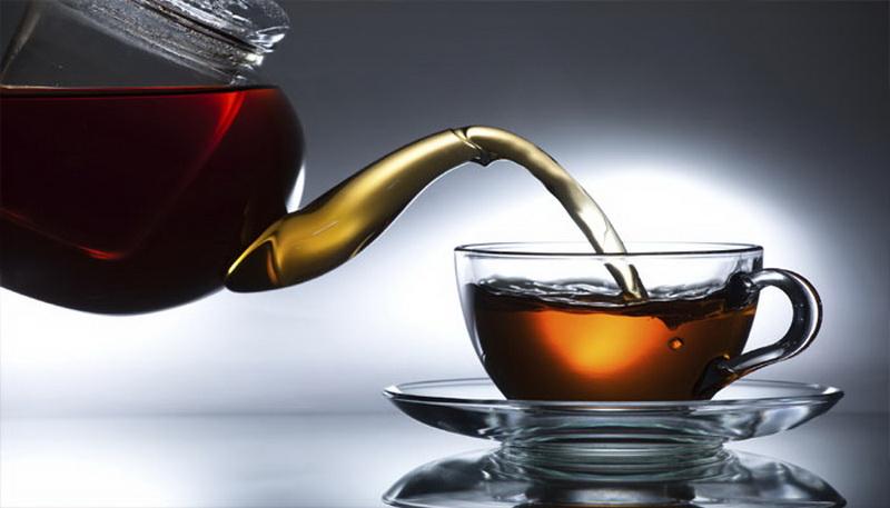https: img.okeinfo.net content 2018 01 20 298 1847744 kebanyakan-minum-teh-mengakibatkan-usus-buntu-mitos-atau-fakta-PPmoogBKEY.jpg