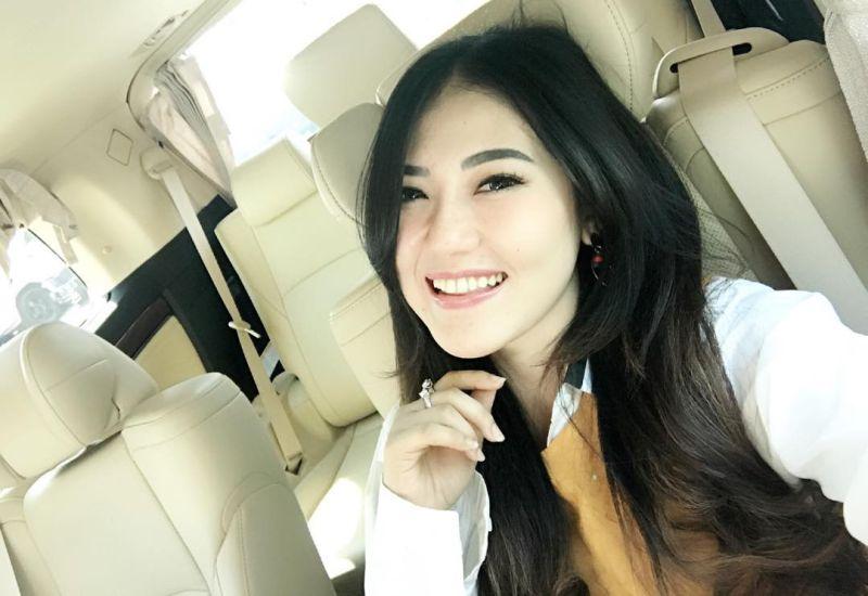https: img.okeinfo.net content 2018 01 20 598 1847927 cerita-via-vallen-2-kali-batal-audisi-indonesian-idol-afE2VOe88u.jpg