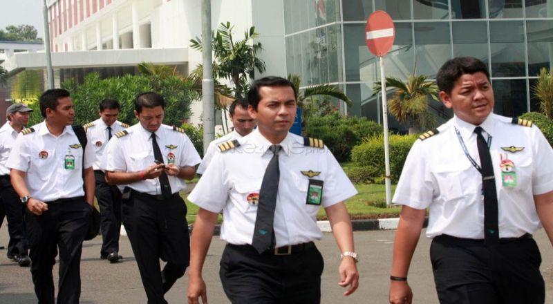 https: img.okeinfo.net content 2018 01 25 320 1850103 banyak-pilot-indonesia-menganggur-karena-tidak-ada-batasan-pekerja-asing-dBCjZAWDDL.jpg