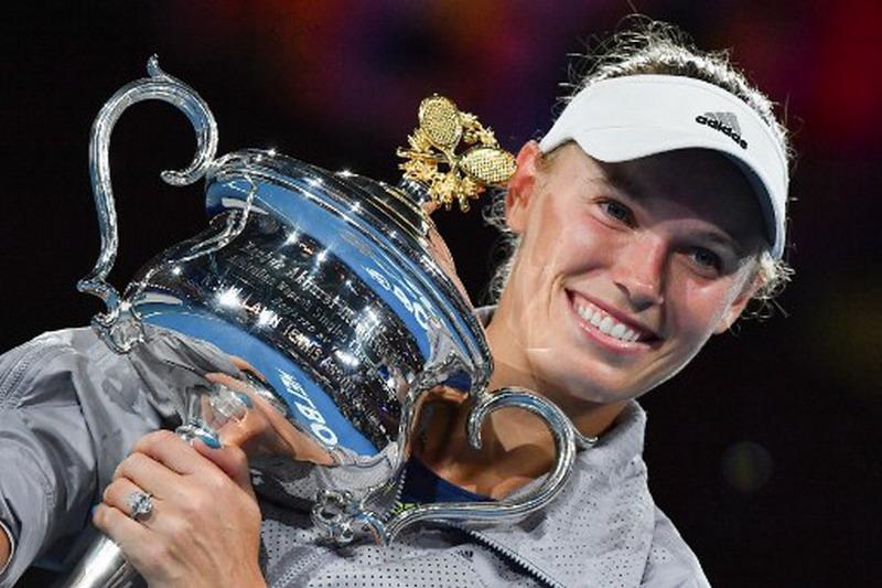 https: img.okeinfo.net content 2018 01 28 40 1851231 wozniacki-emosional-rebut-gelar-grand-slam-perdana-di-australia-open-2018-0GPPm3oGaK.jpg