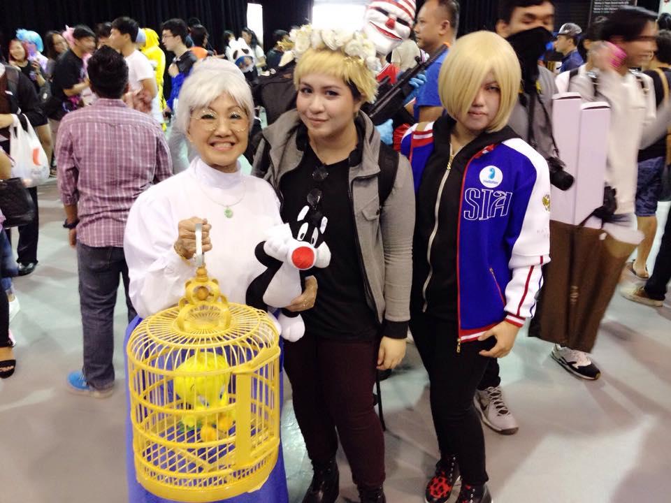 https: img.okeinfo.net content 2018 01 31 194 1852502 shirley-chua-cosplayer-70-tahun-keren-asal-singapura-MKVFHLg7WQ.jpg