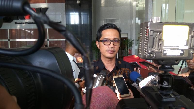 https: img.okeinfo.net content 2018 01 31 337 1852604 petinggi-garuda-indonesia-kembali-diperiksa-terkait-suap-pesawat-hLcfeuowFf.jpg