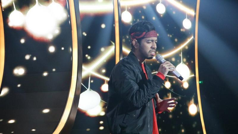 https: img.okeinfo.net content 2018 01 31 598 1852421 duet-dengan-ari-lasso-glen-buka-spektakuler-show-2-indonesian-idol-xzB6U8J6YS.jpg