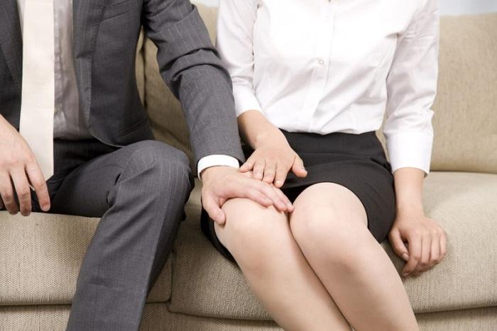 Pelecehan verbal ditunjukkan melalui kalimat berbau seksual yang menimbulkan rasa tidak nyaman.