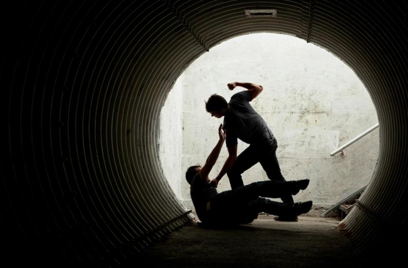 https: img.okeinfo.net content 2018 02 02 519 1854047 penganiaya-guru-hingga-tewas-di-sampang-masih-bisa-ikut-ujian-nasional-lAeiE661SS.jpg