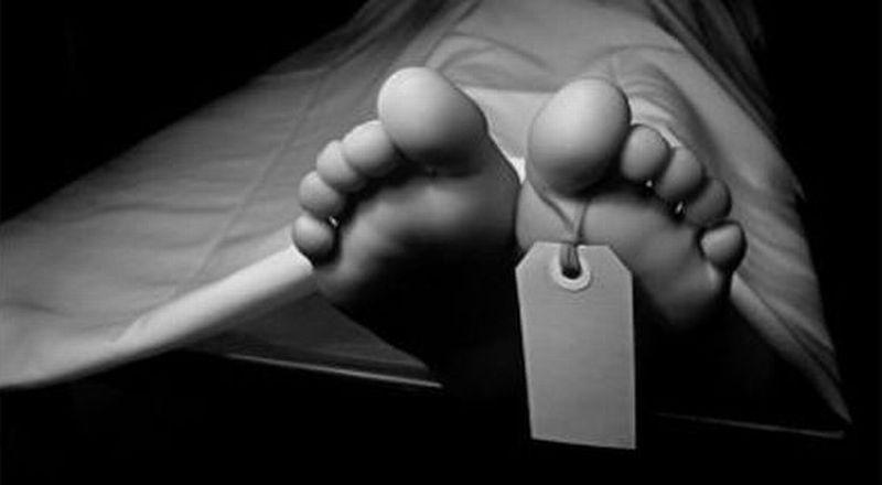 https: img.okeinfo.net content 2018 02 08 338 1856488 pulang-umrah-seorang-nenek-meninggal-di-dalam-pesawat-9dCdtHeeXQ.jpg