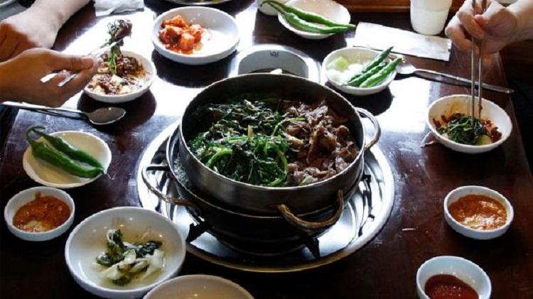 https: img.okeinfo.net content 2018 02 09 298 1857277 tak-hiraukan-larangan-pemerintah-restoran-di-pyeongchang-nekat-jual-makanan-dari-daging-anjing-L8qj6pvmnz.jpg