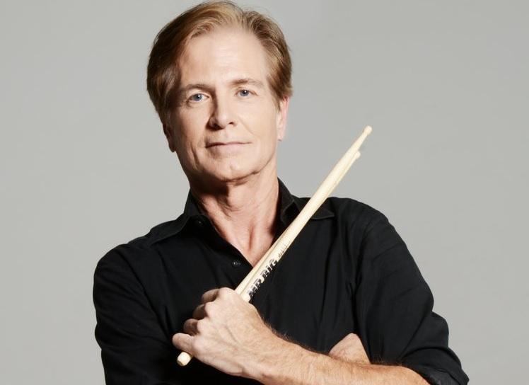 https: img.okeinfo.net content 2018 02 09 33 1857103 pat-torpey-drummer-mr-big-meninggal-dunia-di-usia-64-tahun-At3dpct6sL.jpg