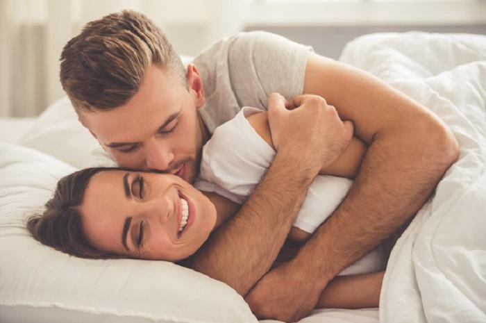 https: img.okeinfo.net content 2018 02 13 481 1859114 pasangan-dengan-kehidupan-seks-yang-bagus-lebih-mungkin-selingkuh-MikWM9jkt2.jpg