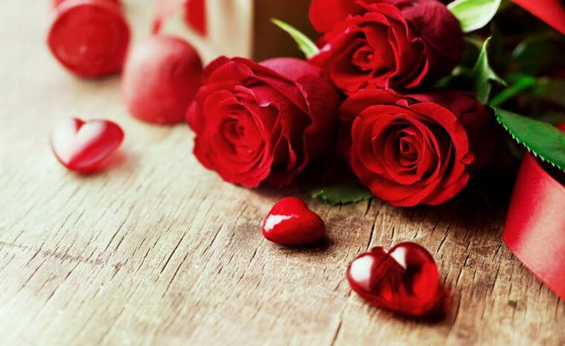 https: img.okeinfo.net content 2018 02 14 196 1859231 kisah-santo-valentine-yang-rela-mati-demi-menikahkan-pasangan-kekasih-7TvyQNSadl.jpg
