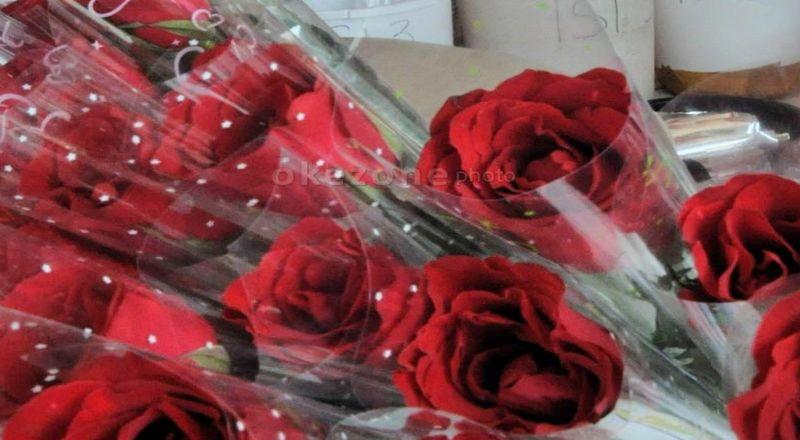 https: img.okeinfo.net content 2018 02 14 320 1859542 hari-valentine-bikin-omzet-pedagang-bunga-naik-40-iH5goLycye.jpg