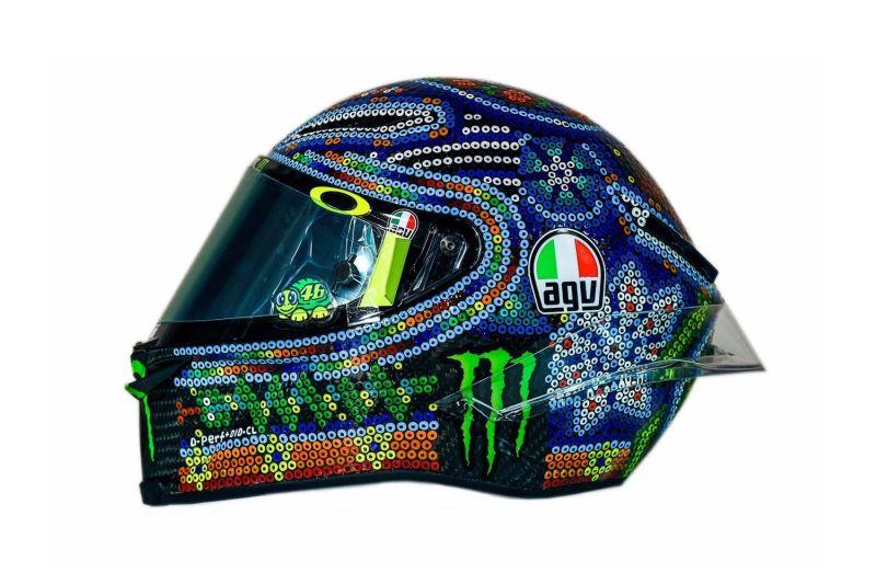 https: img.okeinfo.net content 2018 02 15 38 1859811 rossi-dapat-inspirasi-dari-kesenian-meksiko-untuk-desain-helm-barunya-Dg3BKzOXla.jpg