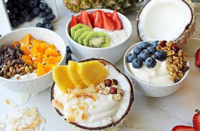 https: img.okeinfo.net content 2018 02 18 298 1861233 ini-alasan-yogurt-layak-jadi-camilan-sehat-anda-2LN03Qw5WG.jpg