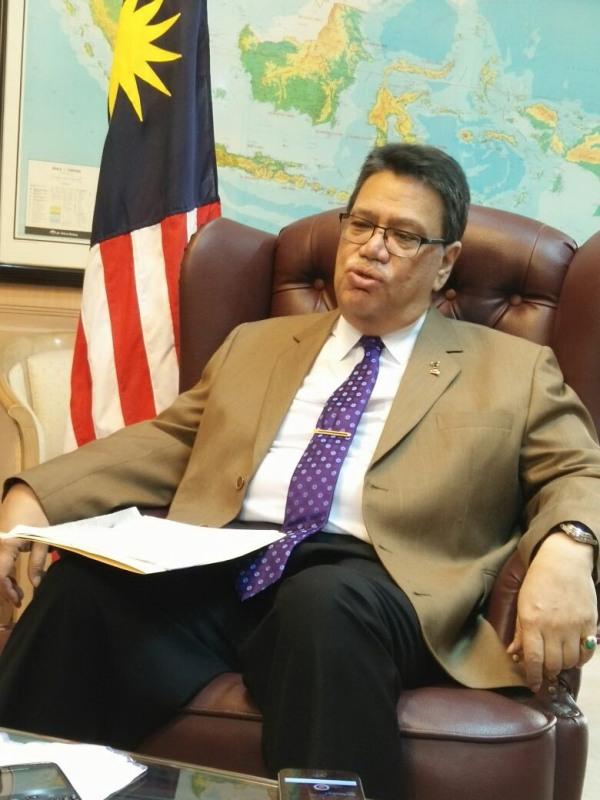 https: img.okeinfo.net content 2018 02 21 18 1862738 dubes-malaysia-moratorium-bukan-solusi-selesaikan-masalah-tki-piVmqqKw53.jpg