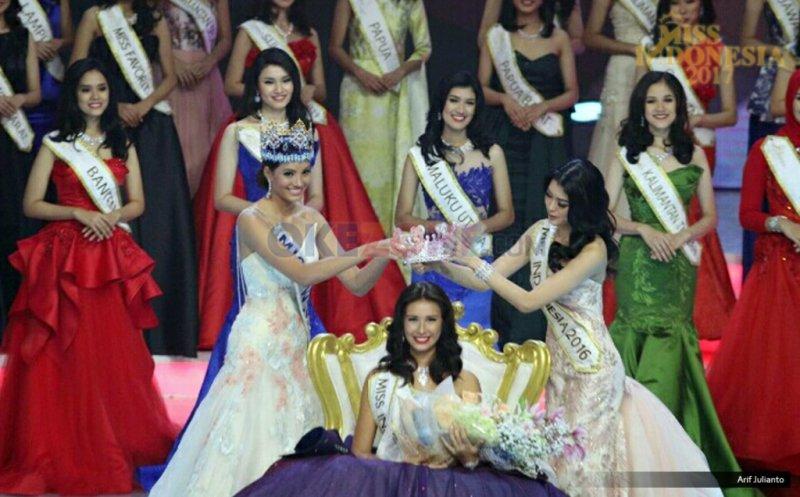 https: img.okeinfo.net content 2018 02 21 194 1862813 lepas-mahkota-miss-indonesia-nanti-malam-achintya-nilsen-mengaku-sedih-moBaSlNzxB.jpg