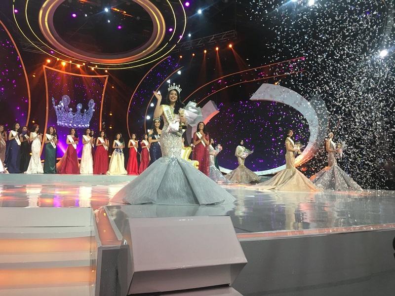 https: img.okeinfo.net content 2018 02 23 194 1863512 berkenalan-dengan-alya-nurshabrina-peraih-mahkota-miss-indonesia-2018-3UNWrMCHm8.jpg