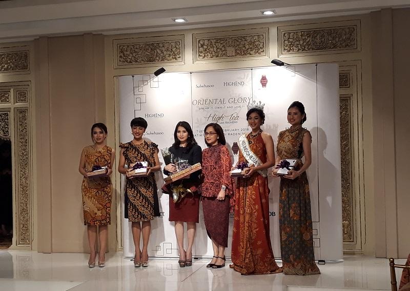 https: img.okeinfo.net content 2018 02 27 194 1865552 keseruan-high-tea-with-highend-bertema-oriental-glory-dihadiri-miss-indonesia-2018-U7XG19Fyjc.jpg
